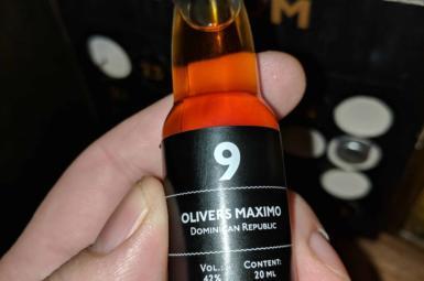 Oliver's Maximo – 9. rum rumového kalendáře