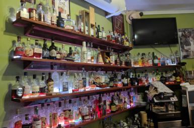 Rumové bary v Praze: Ron bar Sbohem rozume – neurazí, nenadchne (⭐⭐⭐)
