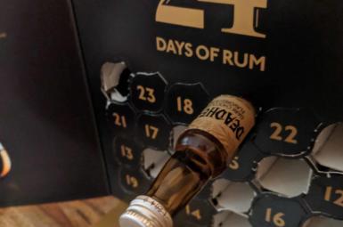 Deadhead Dark Chocolate Flavoured Rum – 10. rum rumové kalendáře 2018