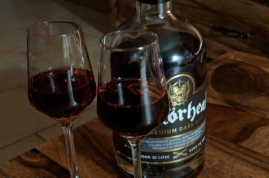 Jaký je Motörhead Premium Dark Rum?