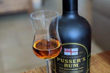 31. července je Black Tot Day ></noscript> Pusser's rum 50th Anniversary