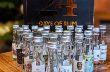 Jaký byl rumový adventní kalendář 2020 nejen pro chlapy aneb 24 days of rum od 1423.dk